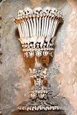 Cálice feito de ossos humanos — Foto Stock