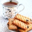 Crispy sugared cookies with raisins — Stockfoto