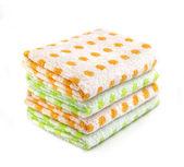 Stapel von farbige handtücher — Stockfoto