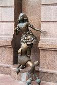 KIEV, UKRAINE - JULY 20: Malvina and dog Artemon. Bronze statues — Stock Photo