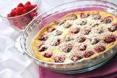 Flaugnarde with raspberries — Stock Photo