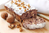 Banana cake with walnuts and dark chocolate — Stock Photo