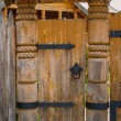 Old wooden barn door — Foto de Stock