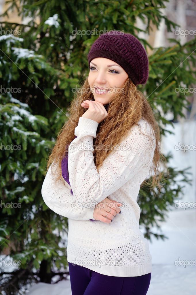 Картинки про девушек на улице зимой