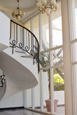 Beautiful white hall with stairs of hotel — Stockfoto