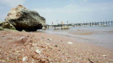 Sea coast and stone on the shore — Stock Video