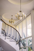 Staircase in the interior, chandeliers — Foto de Stock