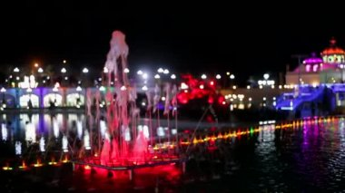 City night lights and illuminated fountains — Vídeo de Stock