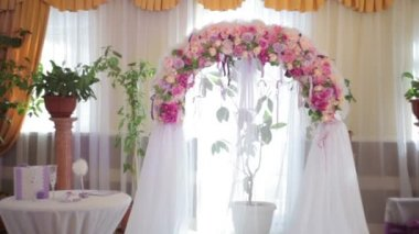Wedding Arch with flowers indoor — Stock Video