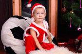 Küçük bir çocuk Noel Baba'ya — Stok fotoğraf