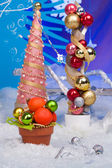 Handmade New Year tree on a snow background — Stockfoto