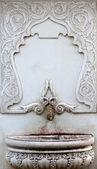 Gammal, utsmyckade, präglade marmor, ottomanska fontän — Stockfoto
