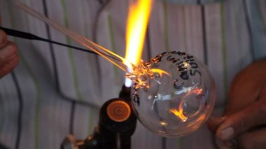 Glass blower. — Stock Video