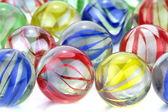 красочными стеклянными шариками — Стоковое фото