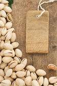 Pistachios nuts and tag price labe — Stock Photo