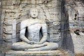 Meditating Buddha statue at Polonnaruwa — Stock Photo