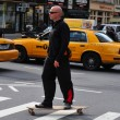 Man rid a skateboard — Stock Photo