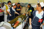 Israeli Medical teams practicing a mass casualty scenario — Stock Photo