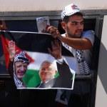 Israel releases 255 Palestinian prisoners — Stock Photo #28401959