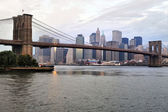 Brooklyn Bridge in Manhattan New York — Stock Photo