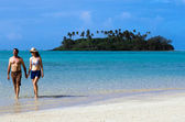 Young happy couple on Vacation in Pacific Island — Stock Photo
