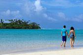 Couple on Honeymoon in Rarotonga Cook Islands — Stock Photo