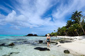 Tourist visit tropical Island in Aitutaki Lagoon Cook Islands — Photo