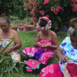 Tahitian females sewing Tivaivai and weaving a hat — Stock Video