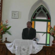 Cook Islander priest pray at CICC church — Stock Video