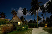 Traditional Polynesian houses in Aitutaki Lagoon Cook Islands — Stock Photo