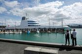 Luxury motor yacht mooring at Auckland Wynyard Wharf — Stock Photo