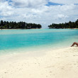 Young woman sunbathing in Aitutaki Lagoon Cook Islands  — Stock fotografie