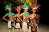 Young Polynesian Pacific Island Tahitian Men Dancers — Stock Photo