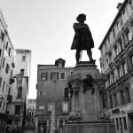 Venice Cityscape - Statue of Carlo Goldoni — Stock Photo #36863683
