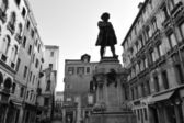 Venice Cityscape - Statue of Carlo Goldoni — Stock Photo