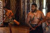 Maori men sing and dance — Stock Photo