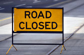 Road closed sign and symbol — Stock Photo