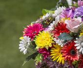 Bucket of colorful flowers — Stockfoto