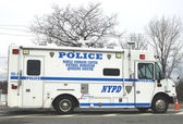 NYPD mobile command center providing security in hurricane devastated area in Breezy Point, NY three months after Hurricane Sandy — Stock Photo