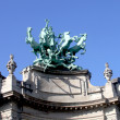 Quadriga on top of  Le Grand Palais in Paris by Georges Recipon. — Lizenzfreies Foto