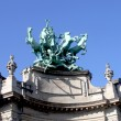 Quadriga on top of  Le Grand Palais in Paris by Georges Recipon. — Foto Stock