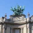 Quadriga on top of  Le Grand Palais in Paris by Georges Recipon. — Foto de Stock