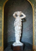 Polymast statue of Nature by Tribolo at Palace of Fontainebleau — Stock Photo