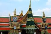 Giant guardian statues in Bangkok, Thailand — Stock Photo