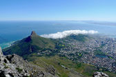 Aslanlar kafa ve cape town, güney afrika, tablo dağın tepesinden görüntüleyin. — Stok fotoğraf