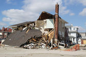 Destroyed beach house in devastated area four months after Hurricane Sandy on February, 28, 2013 in Far Rockaway, NY — Stock Photo