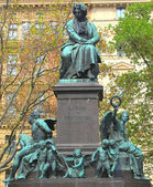 Ludwig van Beethoven statue in Vienna, Austria It was unveiled in 1880 — Zdjęcie stockowe