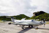 Tradewind Aviation Pilatus PC-12s aircraft ready to take off at St Barths airport. — Stock Photo