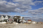 Destroyed beach house in the aftermath of Hurricane Sandy in Far Rockaway, NY — Stock Photo