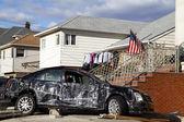 遠いロックアウェイ、ニューヨークのサンディ ハリケーンの余波で車を破壊 — ストック写真